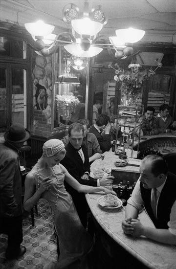 Bars, restaurants ... 08237fb7