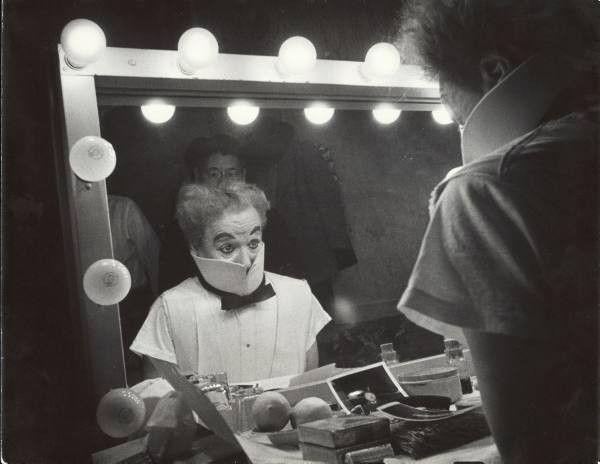 Charlie Chaplin  2e012b59