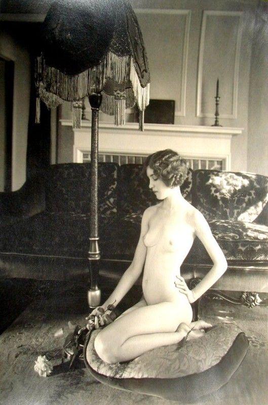 Femme nue - 1920